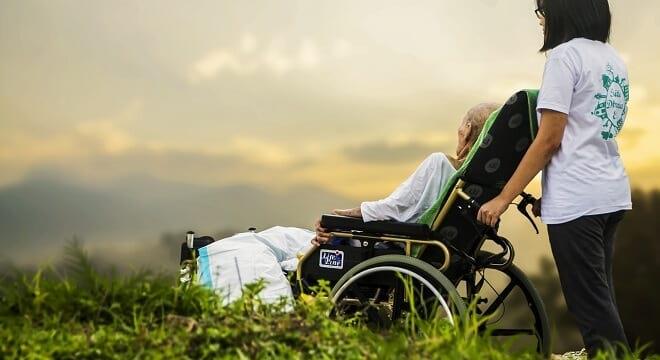 Какие льготы, пособия и компенсации положены семьям с ребенком-инвалидом