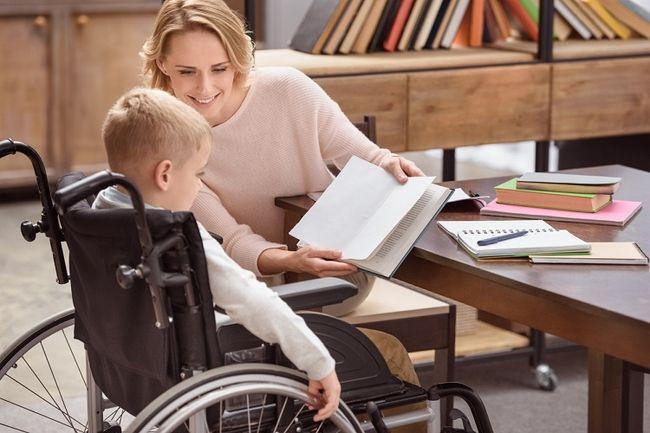 соцработник с ребенком инвалидом